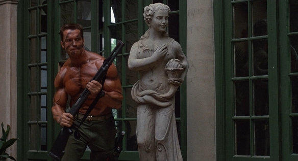 commando-arnold-statue